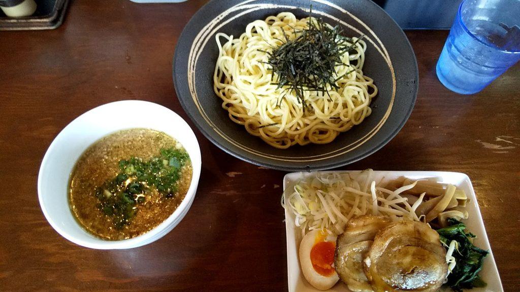 七菜矢のつけ麺