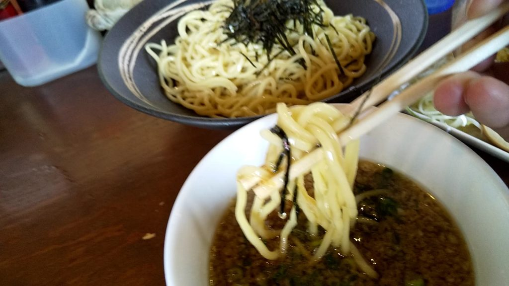 七菜矢のつけ麺の麺
