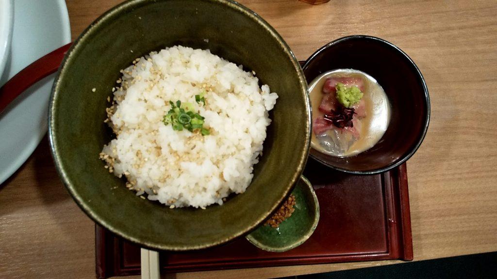 鯛塩そば灯花の宇和島つけ麺セットのお茶漬け