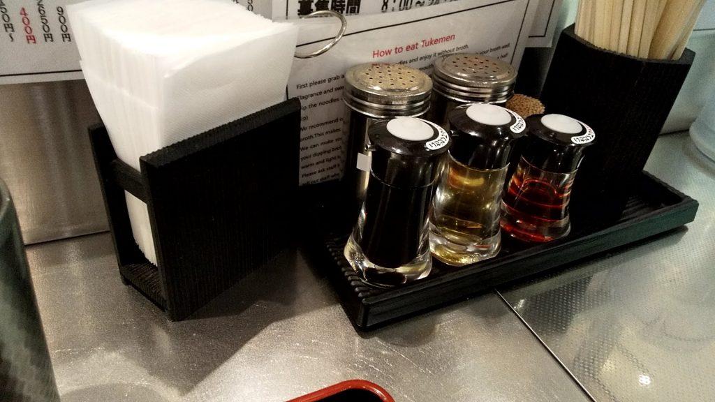 松戸富田麺キッテグランシェ店の卓上