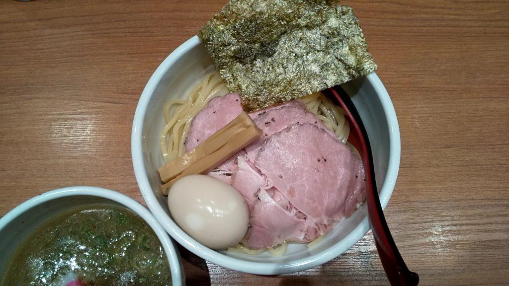 鈴蘭の特製つけ麺の麺皿