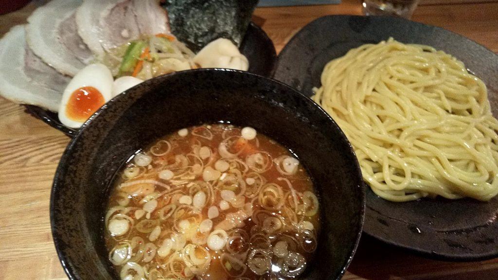 やすべえ赤坂店のつけ麺