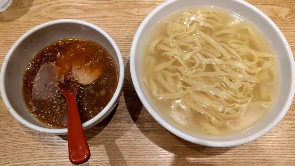双麺錦糸町店の極太平打ちつけ麺