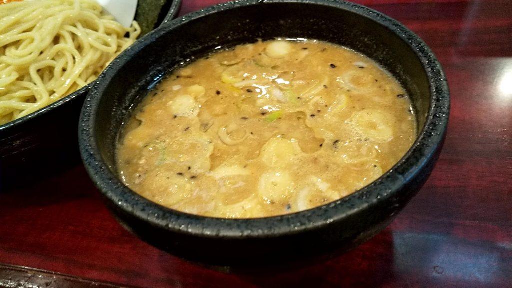 なりたけ錦糸町店の味噌つけ麺のつけ汁