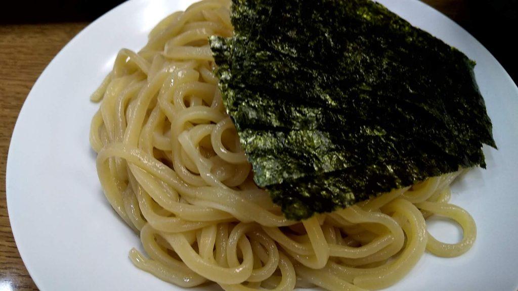 龍天の魚介つけ麺の麺