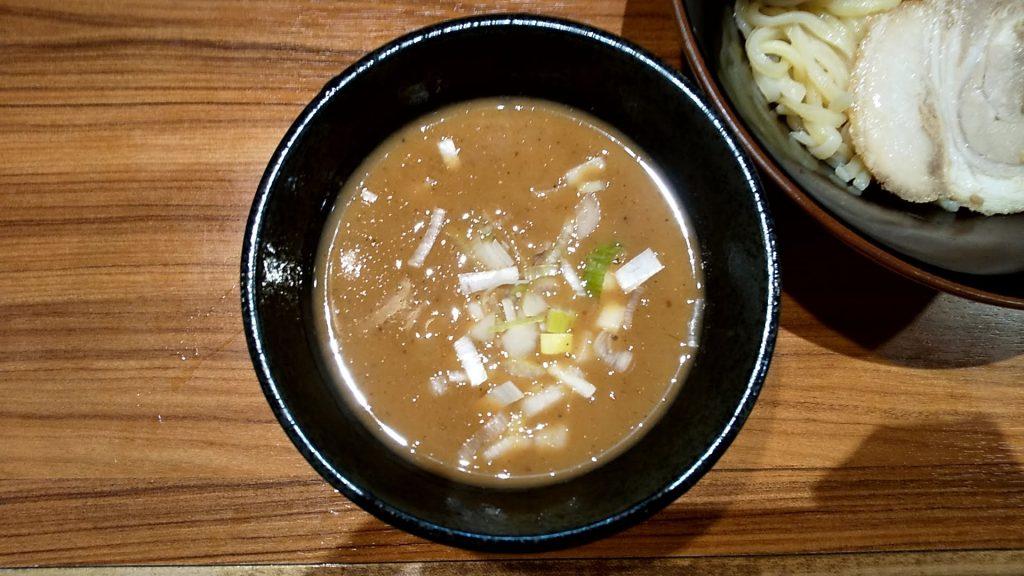壱角家御徒町店の魚介つけ麺のつけ汁