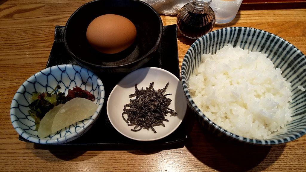 神田勝本の特製卵かけご飯
