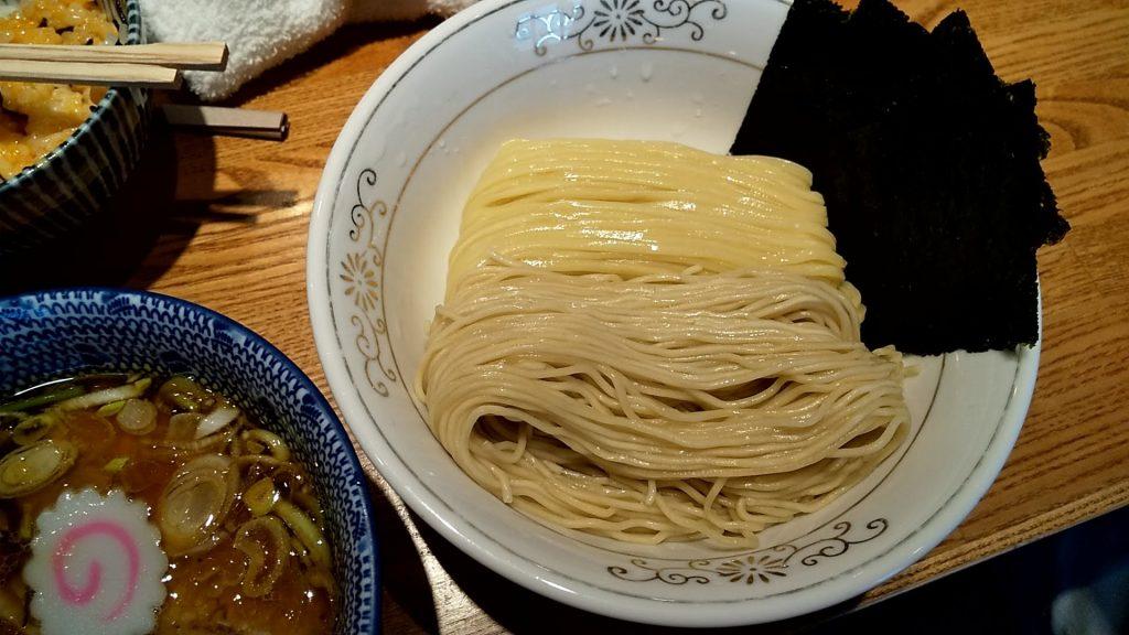 神田勝本の特製清湯つけそばの麺皿