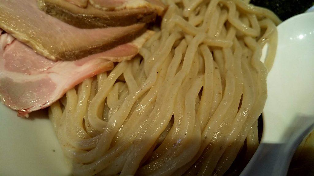 らーめん改の全部入り煮干しつけ麺の麺アップ