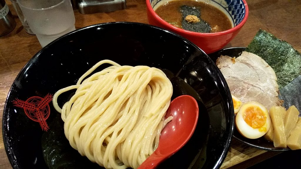 三田製麺所新宿西口店の三田盛りつけ麺