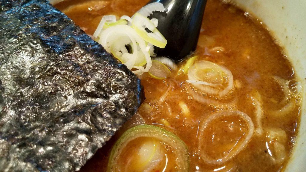 つけ麺坊主間宮のつけ麺のつけ汁アップ