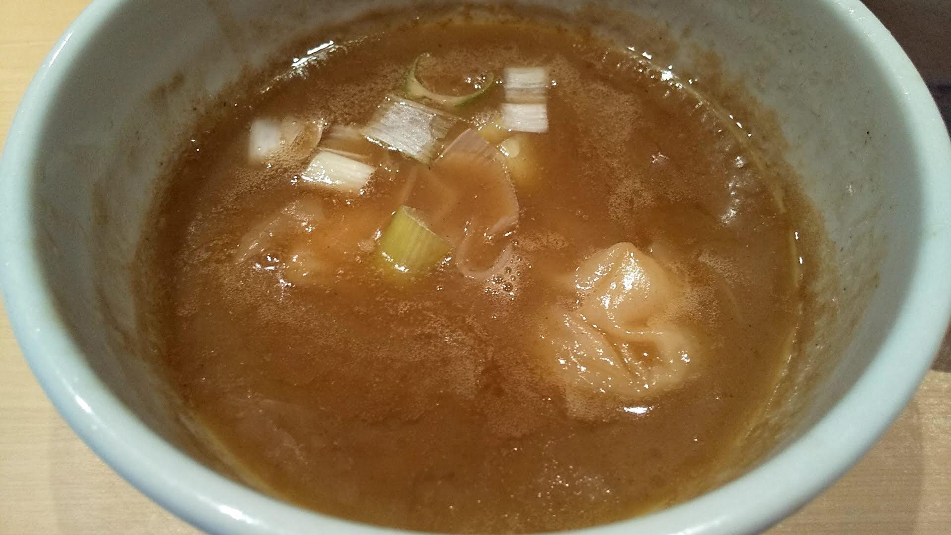 つけ麺道の塩の特製塩つけ麺のつけ汁アップ