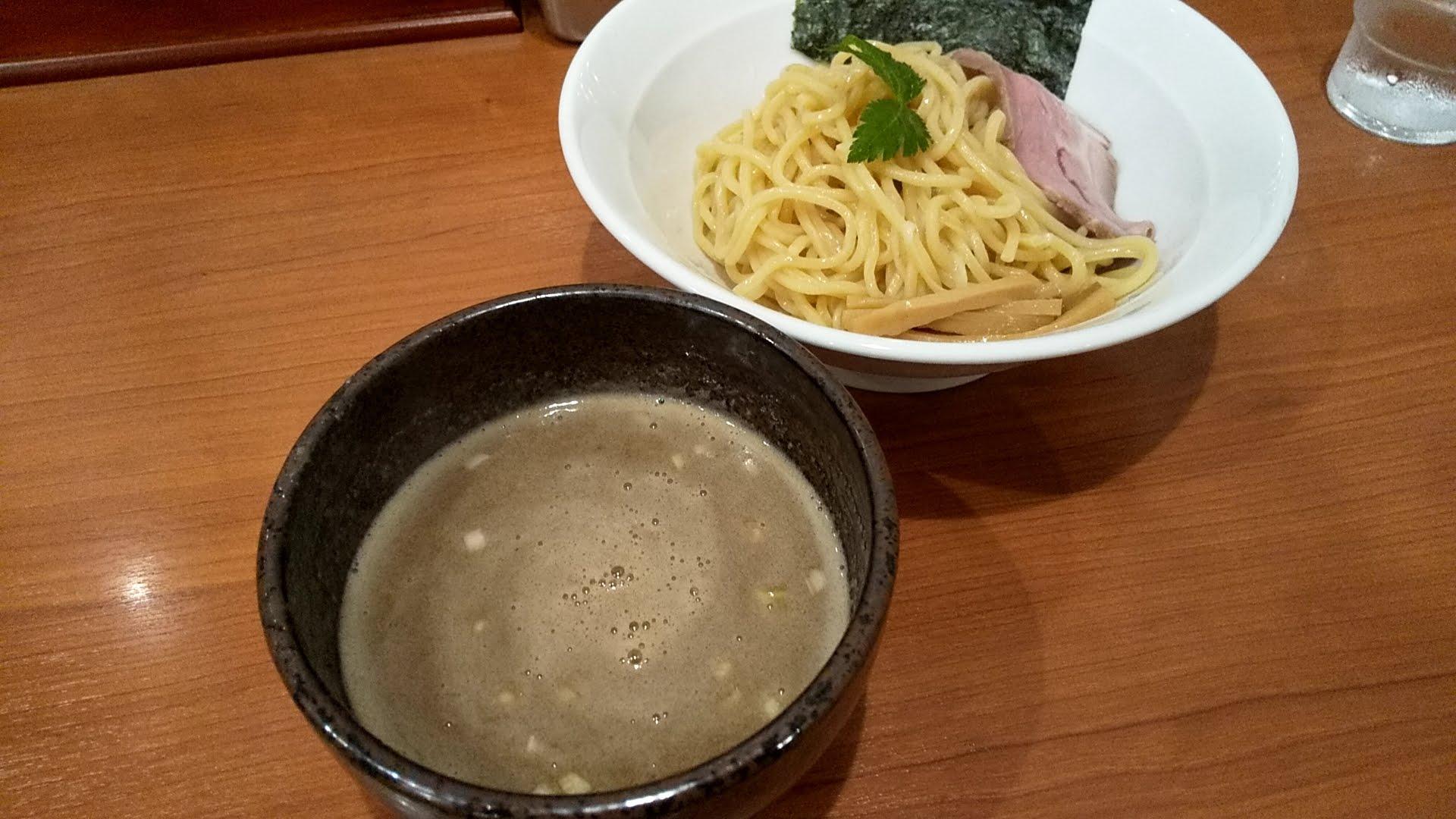 七麺鳥の濃厚豚骨魚介つけ麺