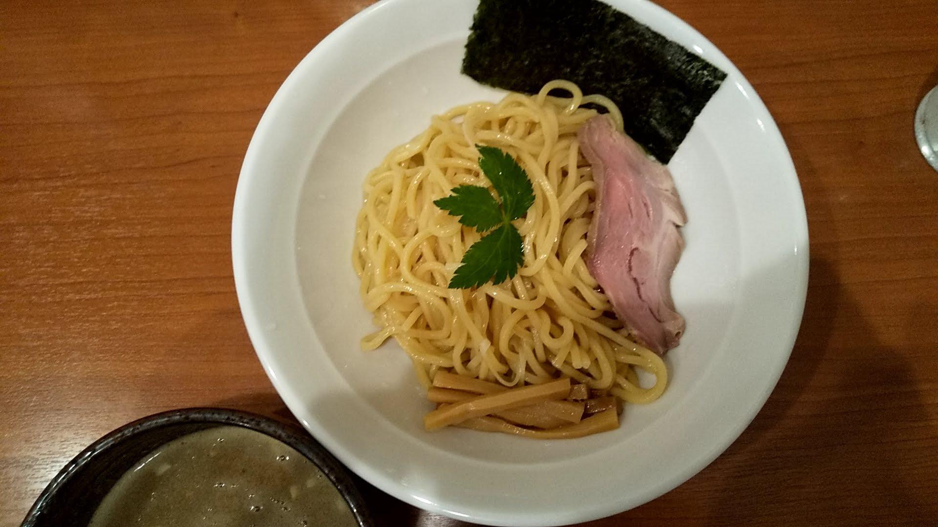 七麺鳥の濃厚豚骨魚介つけ麺の麺皿