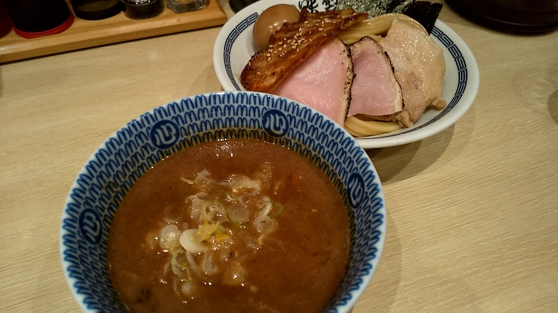 心の味製麺の特製濃厚豚骨魚介つけ麺