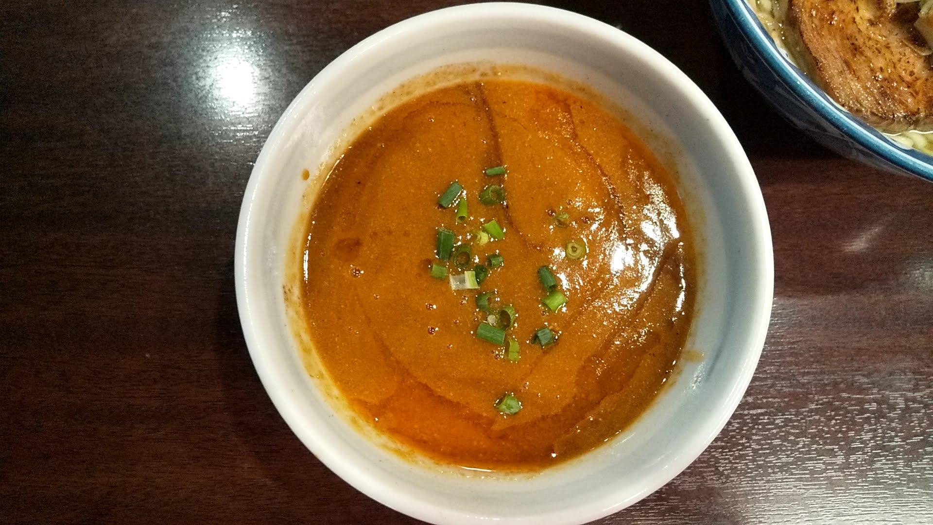 ガンコンヌードルのエビつけ麺のつけ汁