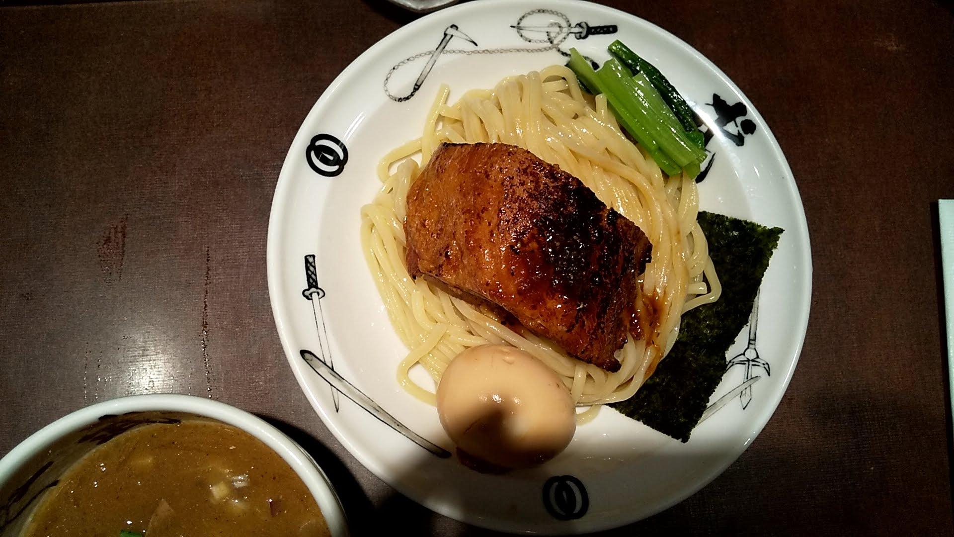 麺屋武蔵武仁の真剣濃厚武仁つけ麺の麺皿