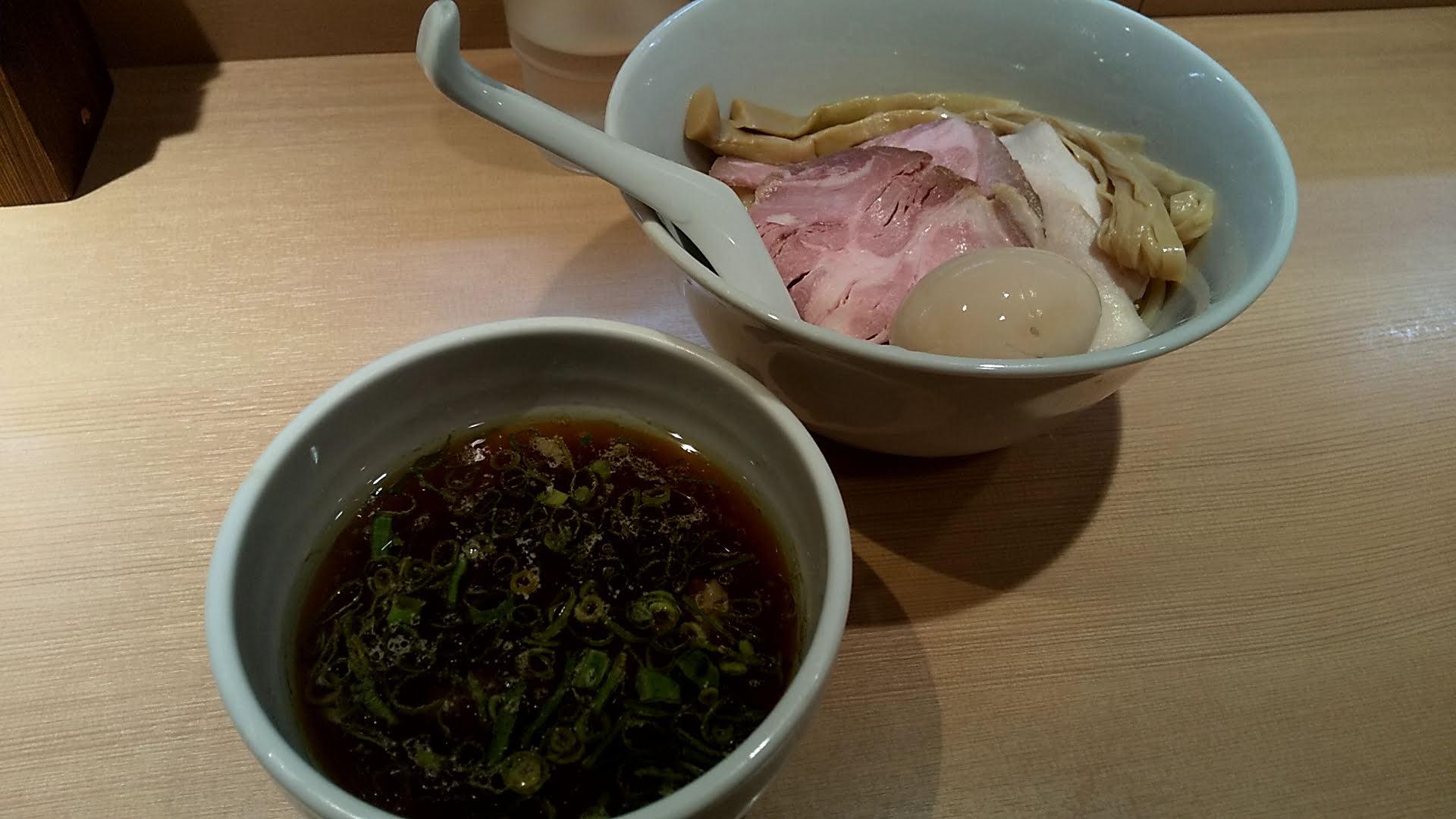 はやし田新宿店の特製つけ麺