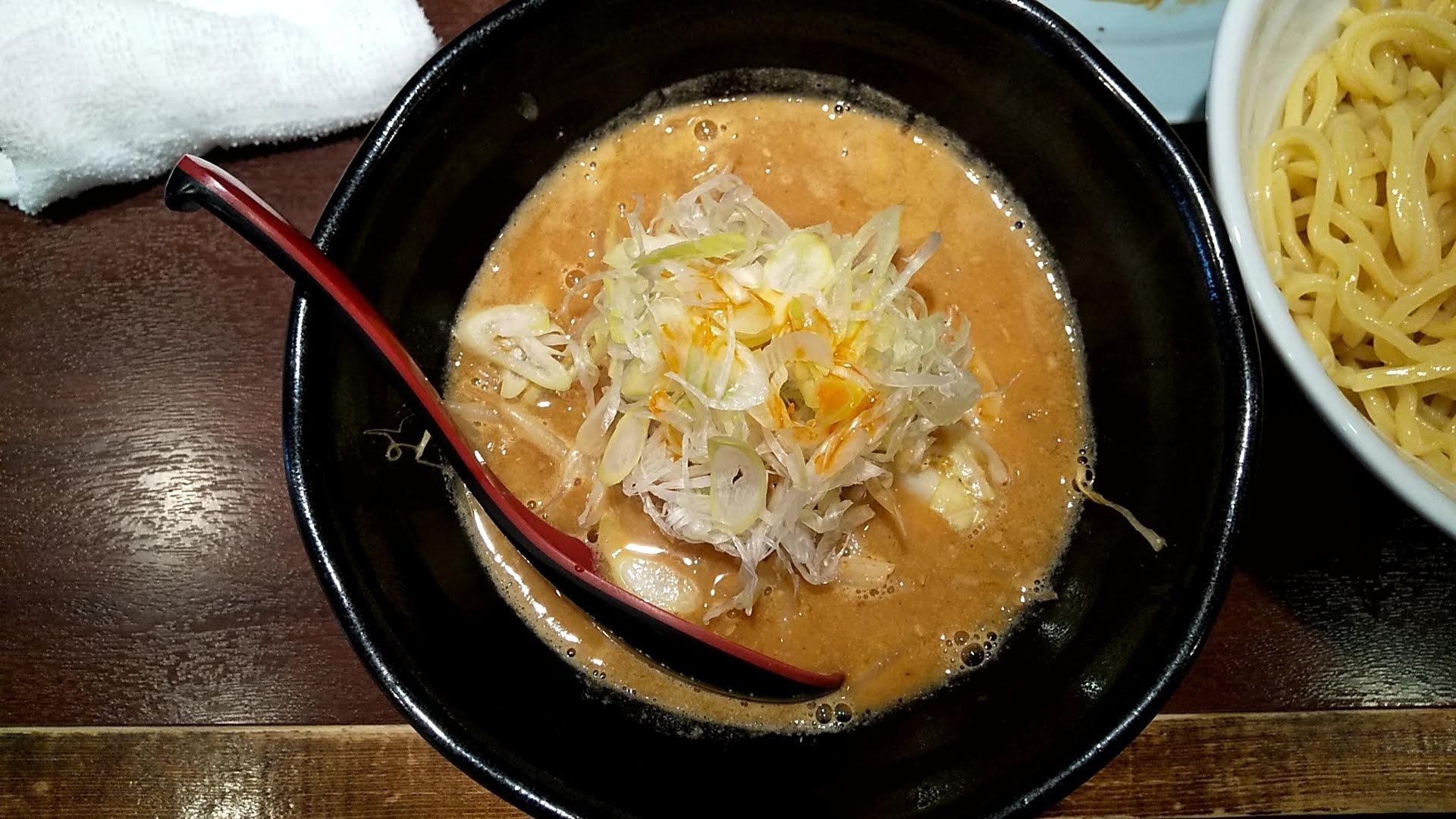 萬馬軒の味噌つけ麺のつけ汁