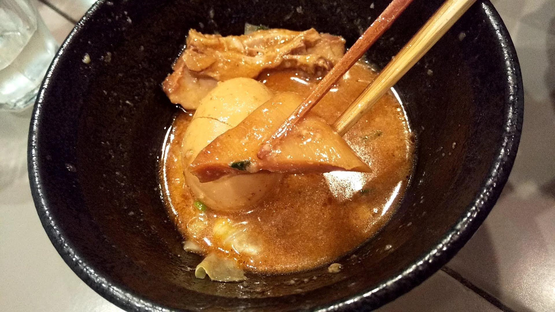五ノ神製作所の海老つけ麺のめんまリフト