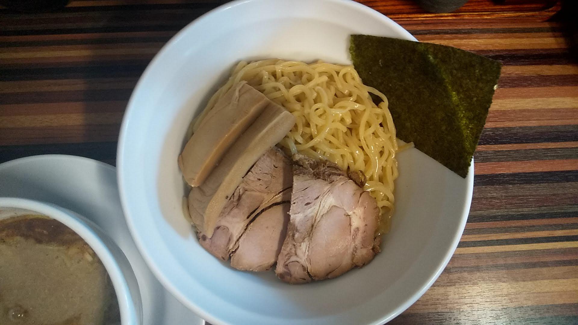 倖佳の濃厚鶏白湯つけめんの麺皿