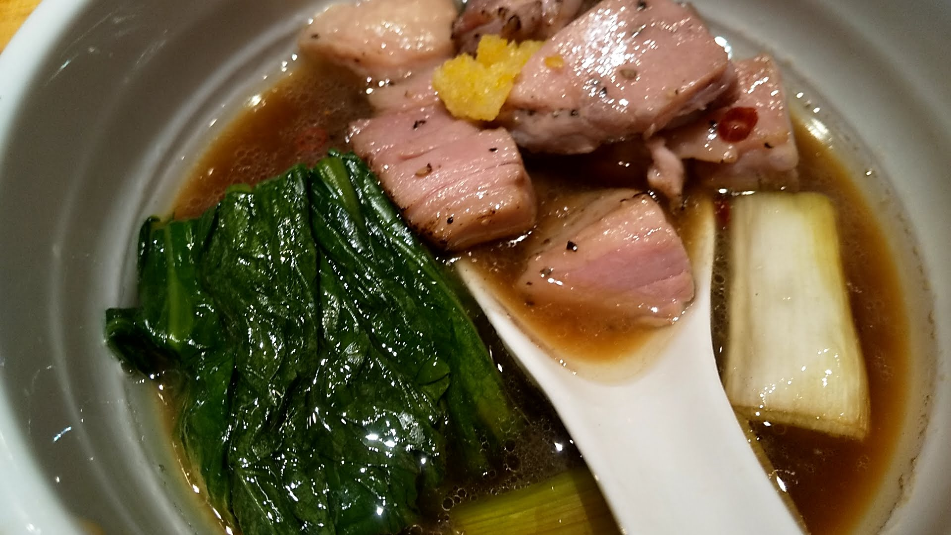 満鶏軒の特製つけ麺のスープアップ