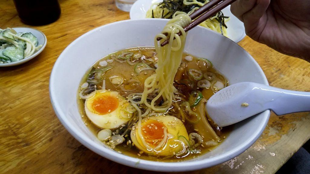 太陽のつけ麺の麺リフト