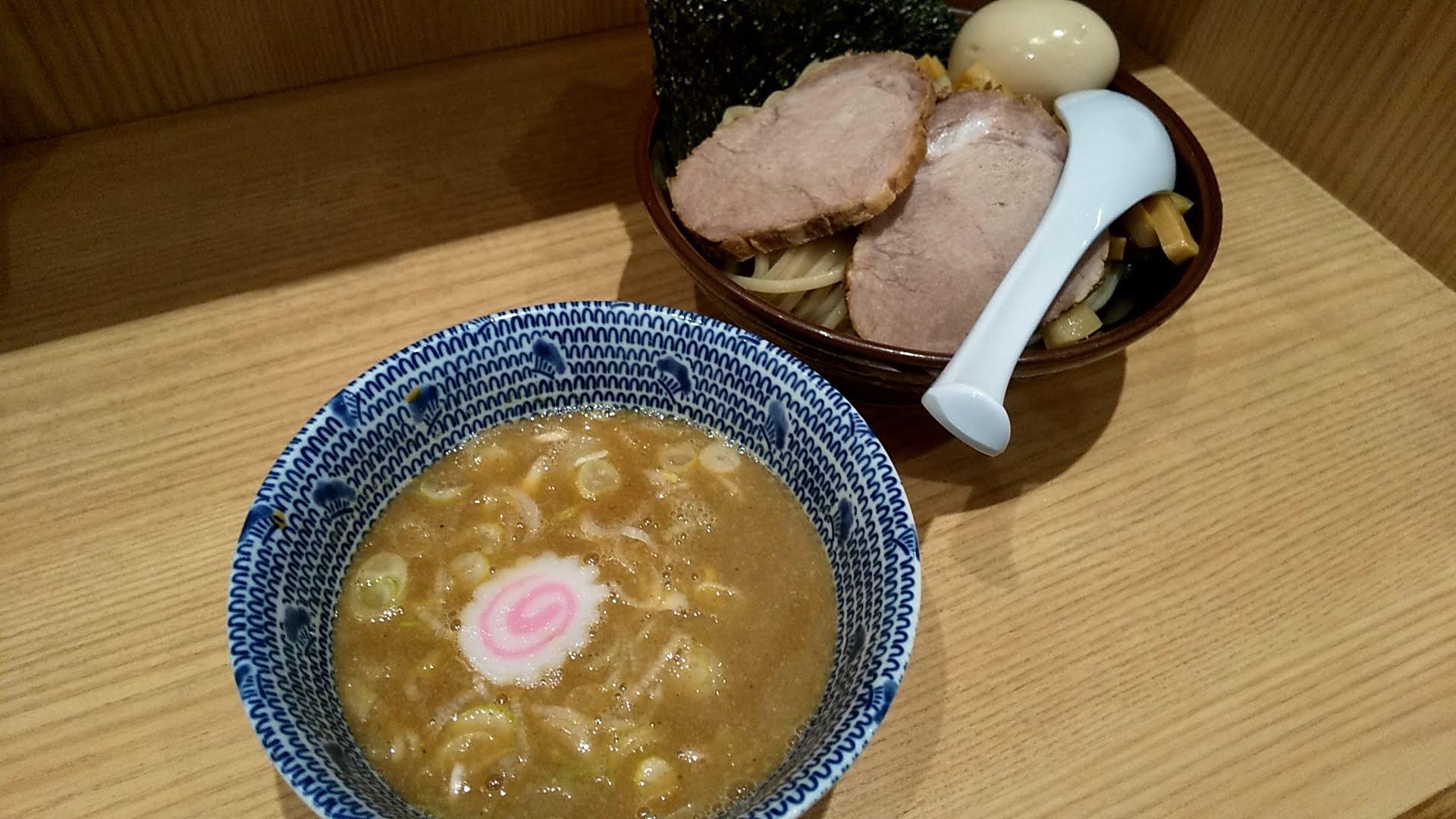 舎鈴新宿店の特製つけ麺