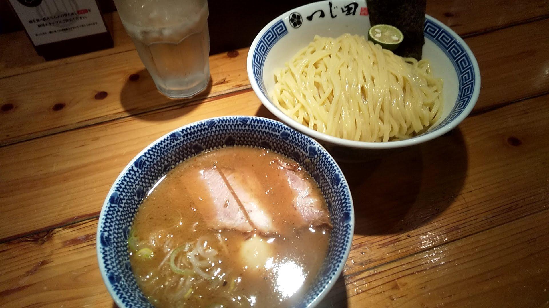つじ田神田御茶ノ水店の特製つけ麺