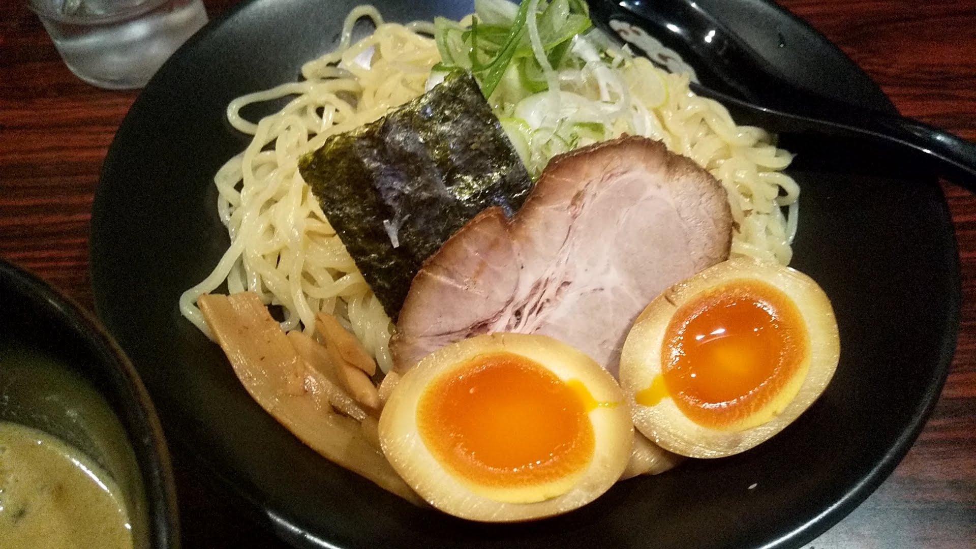 ひむろ錦糸町店のみそだれつけ麺の麺皿