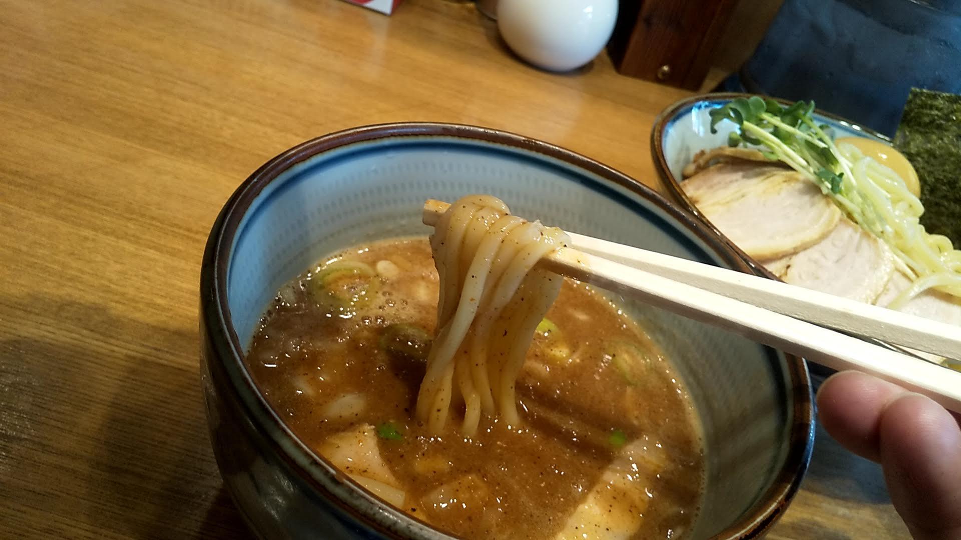鼈のつけ麺の麺リフト