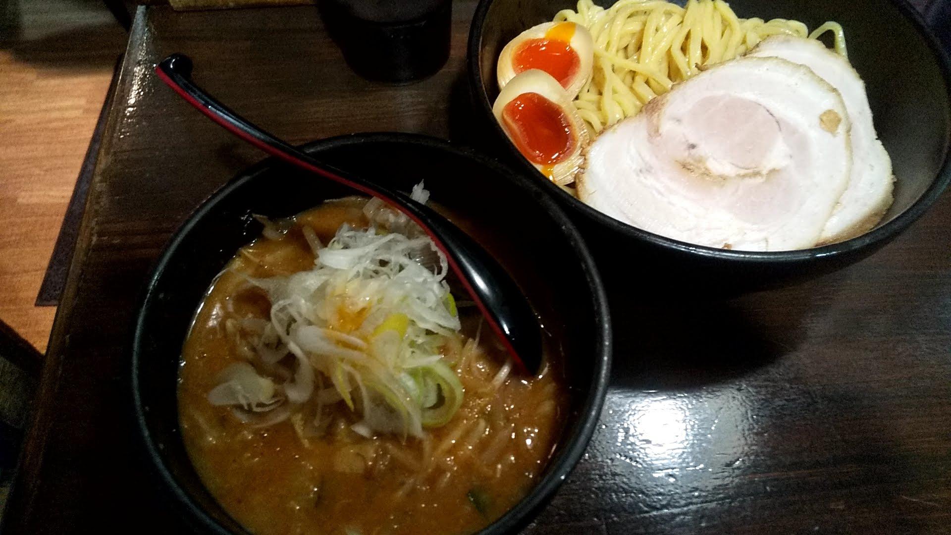 麺処花田池袋店の特製味噌つけ麺