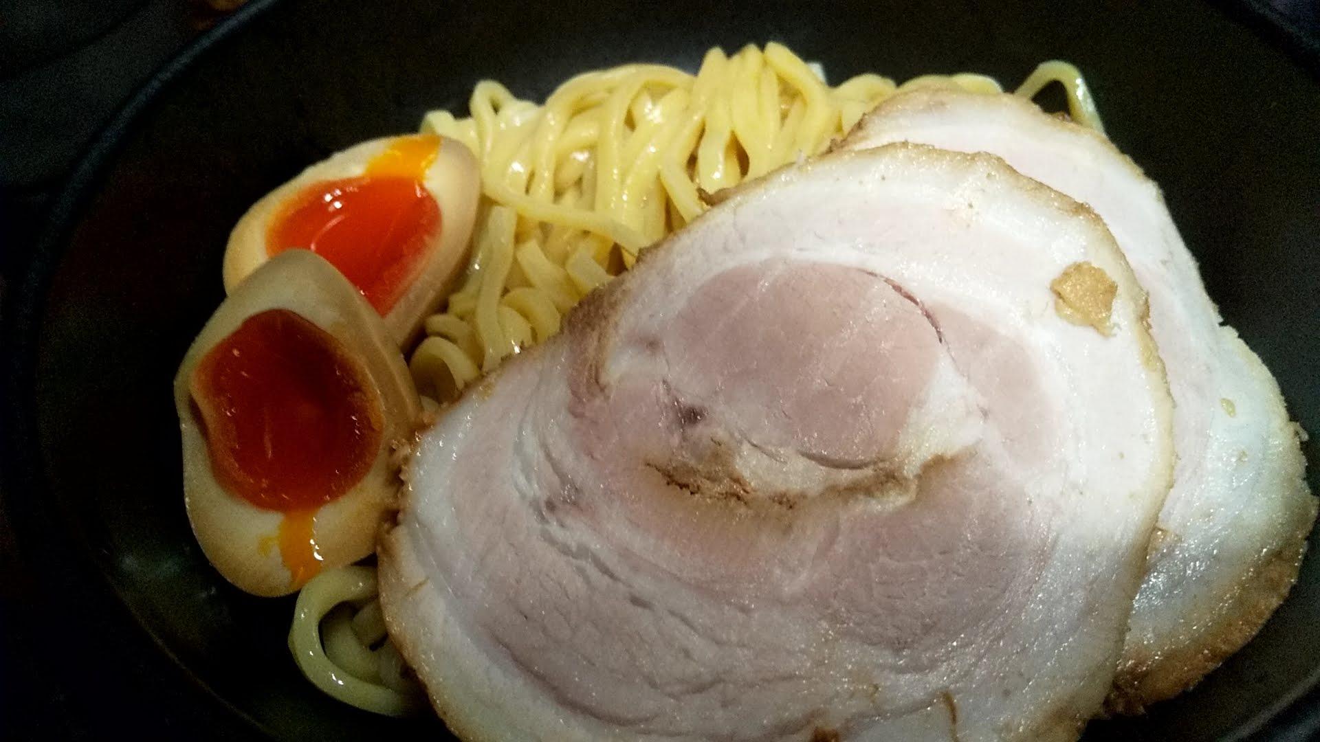麺処花田池袋店の特製味噌つけ麺の麺皿