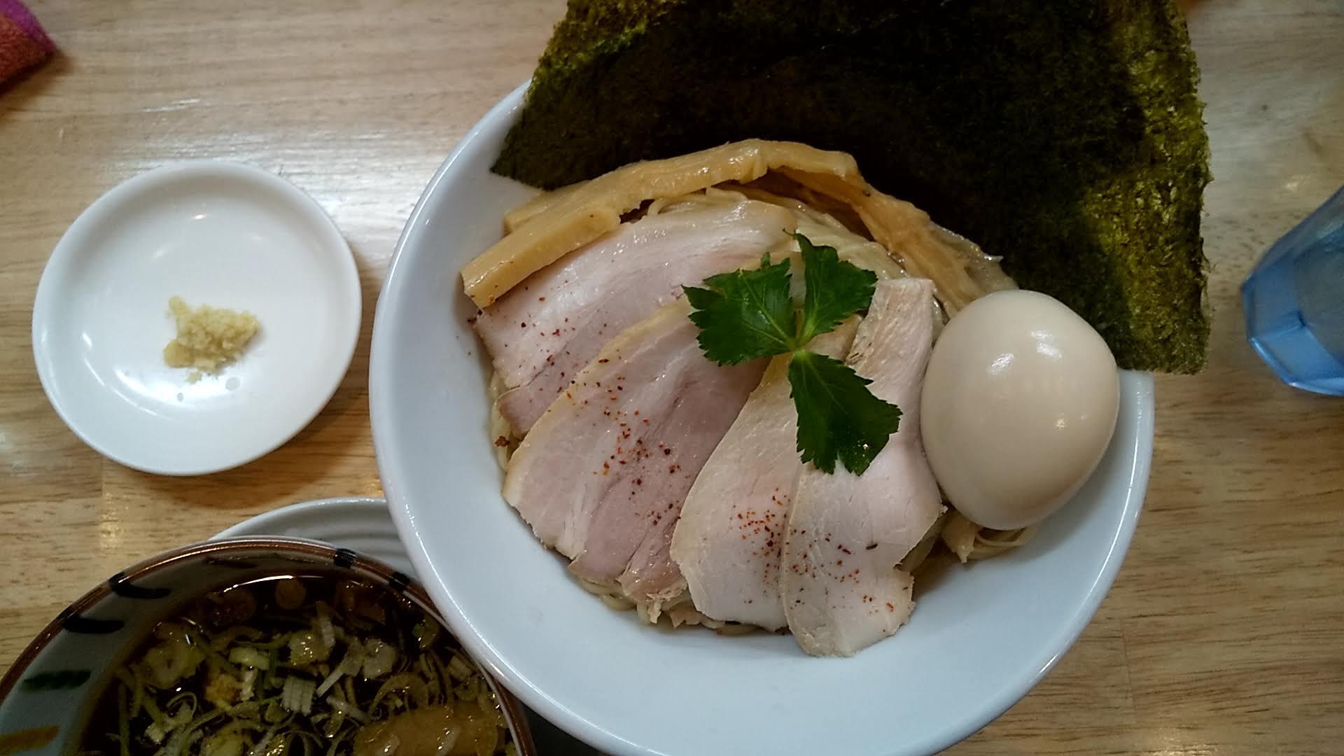ムタヒロ錦糸町店の特製鶏つけ麺の麺皿