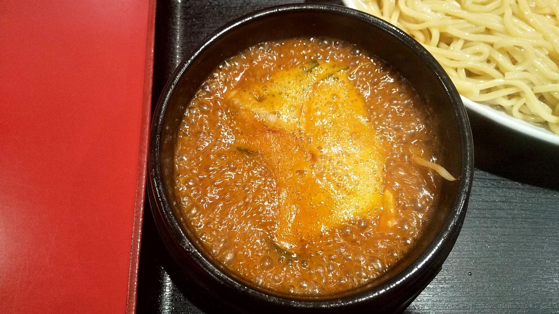 浅草製麺所の石焼チゲつけ麺のつけ汁