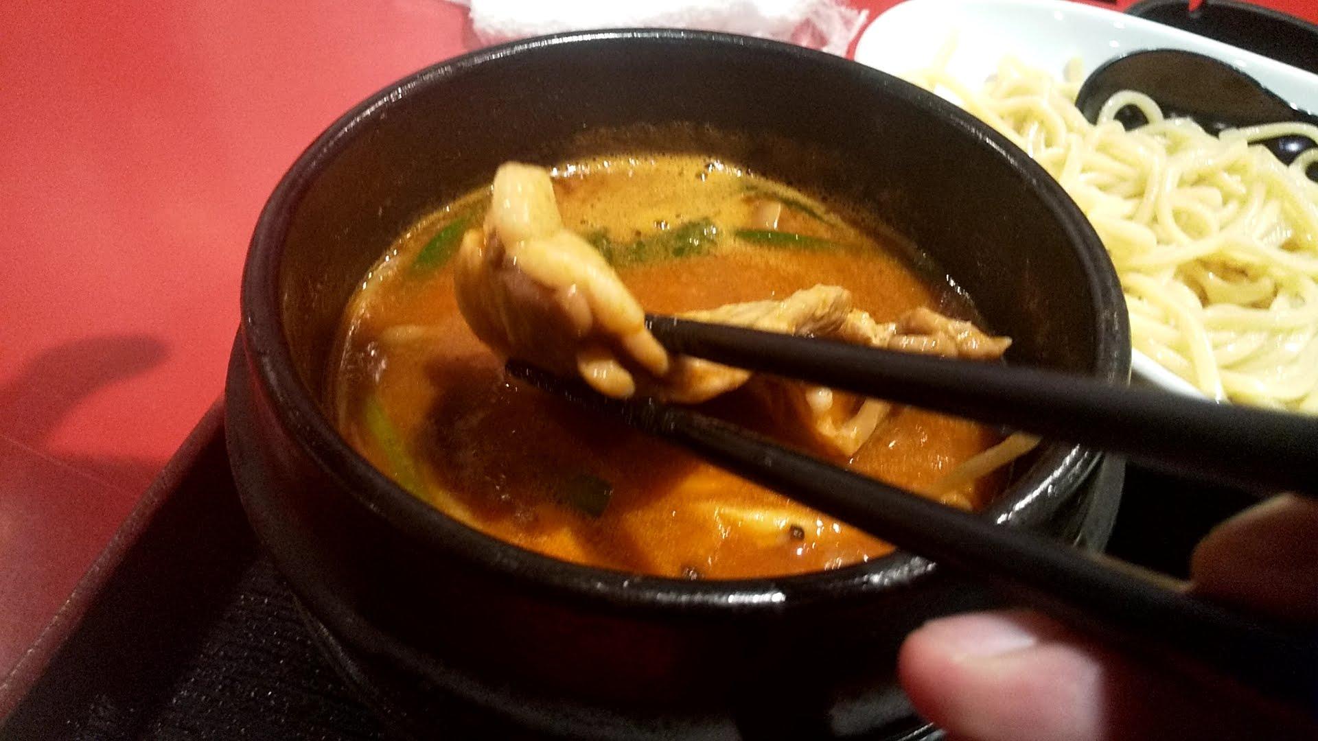 浅草製麺所の石焼チゲつけ麺の豚バラ
