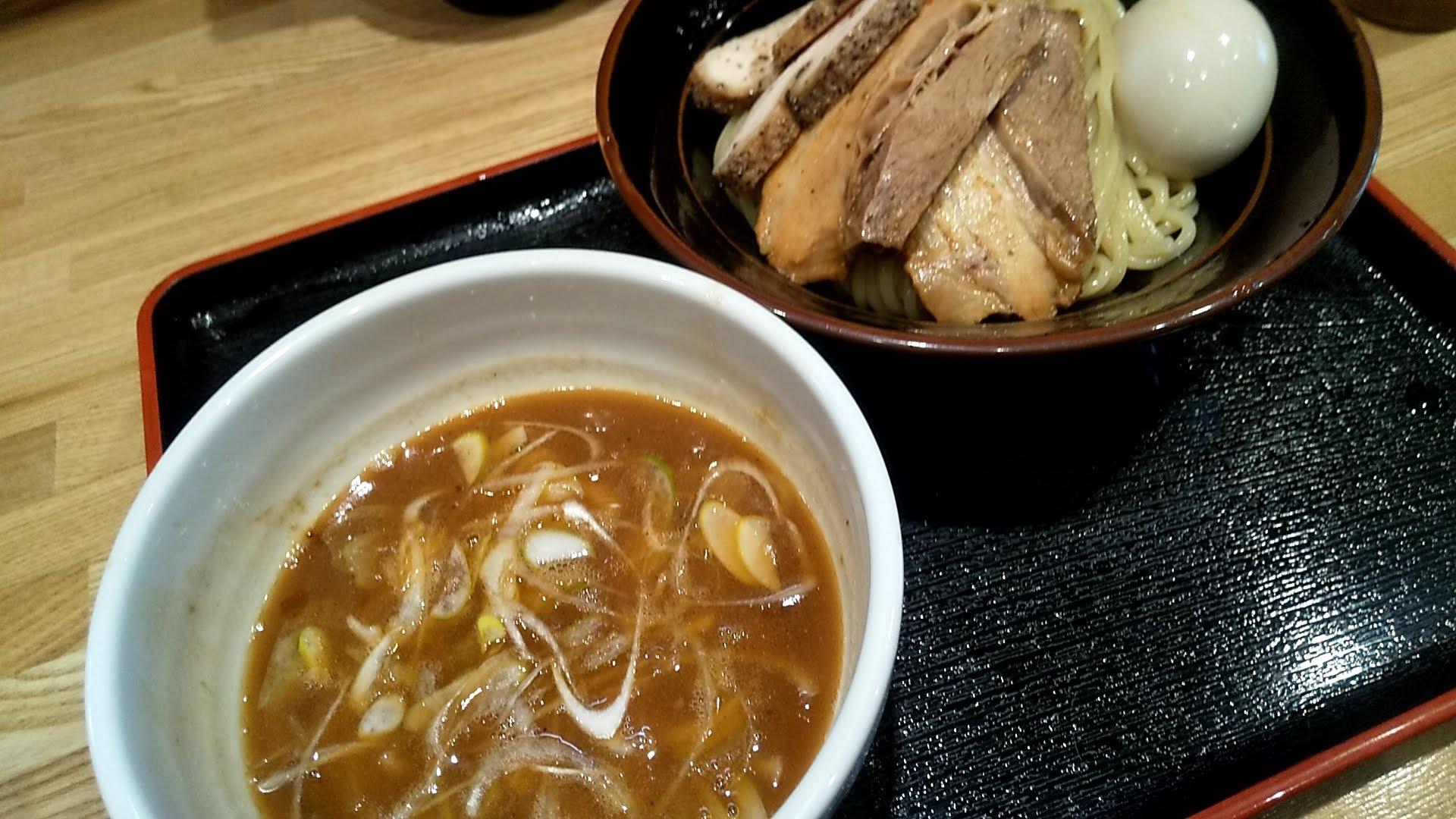 麺屋睡蓮の特製つけ麺の別角度