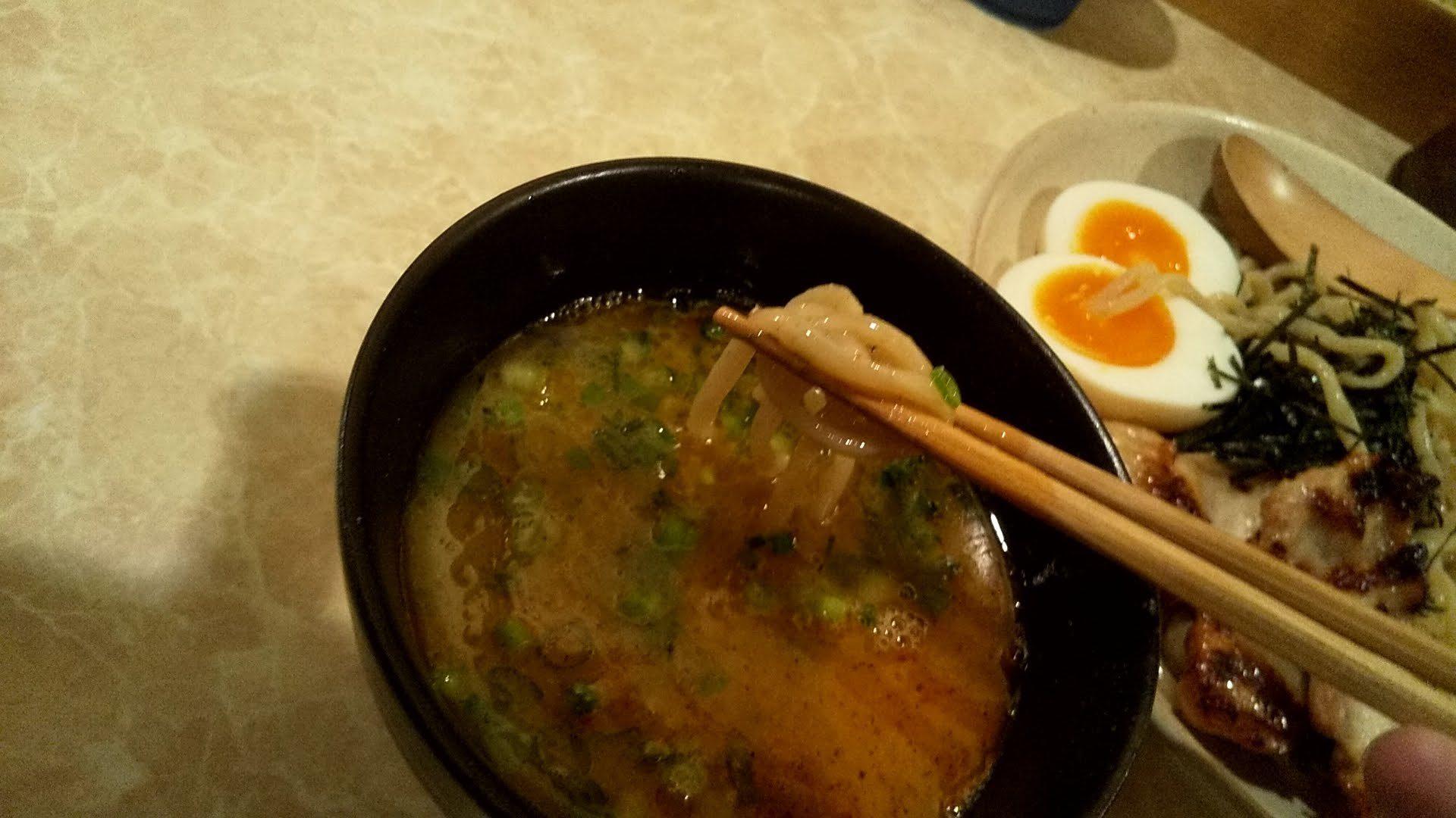 ラーメンTHANK大門店のスペシャルつけ麺の麺リフト